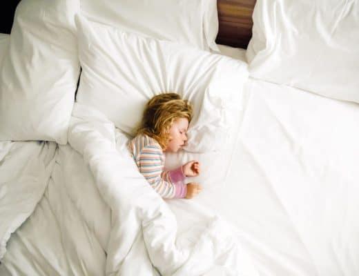 Guter Schlaf bei Kindern – Fördern Lebensmittel die Schlafqualität?